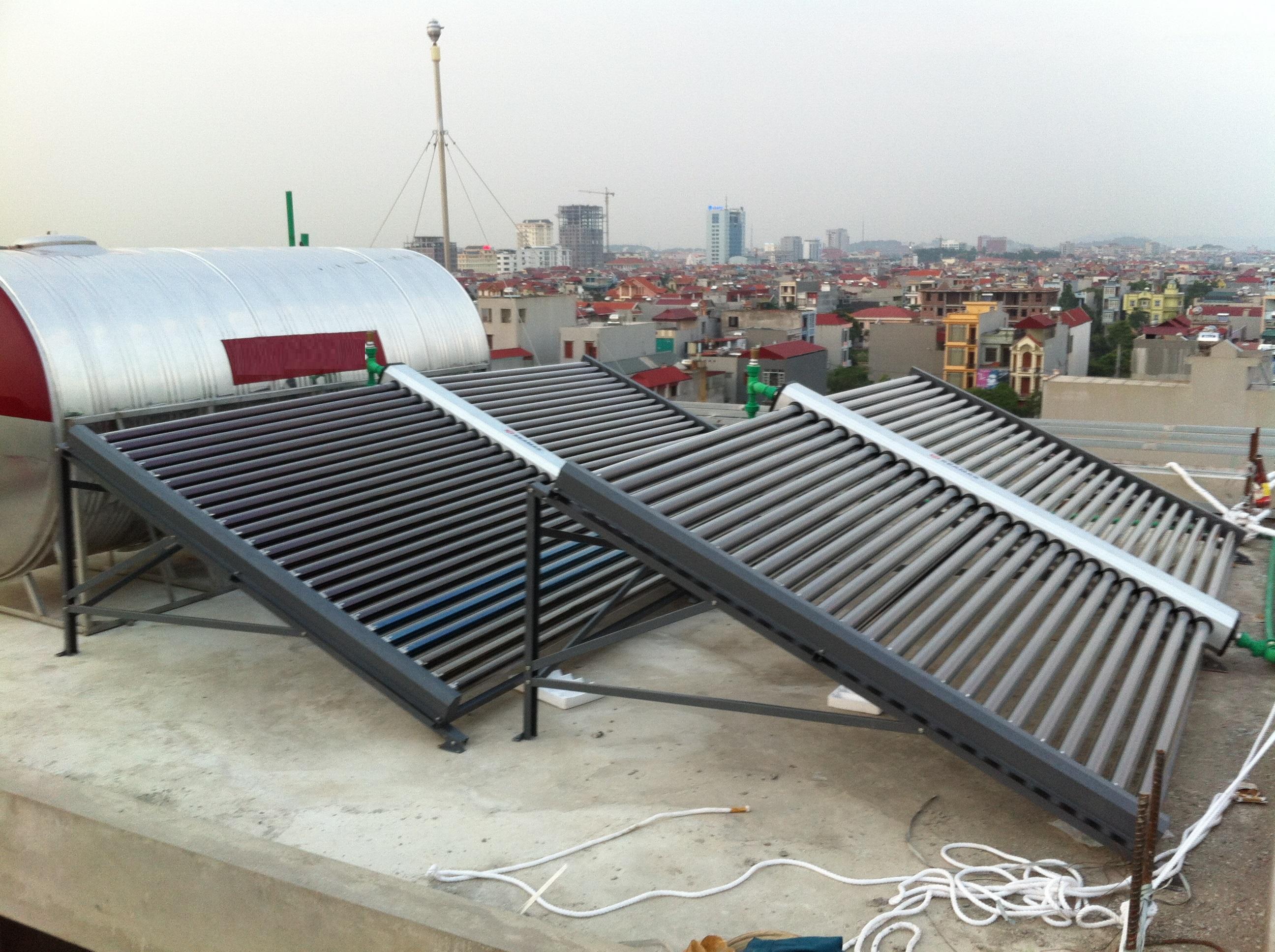 Máy năng lượng mặt trời hệ công nghiệp 1000L